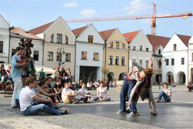 Dance happening on Mariánske square photo: Jitka